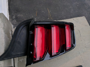 2018 ford Mustang 2017 taillight led right side