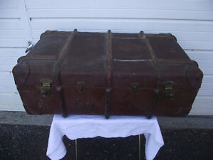 Antique Wood and Brass Ribbed Flax Trunk CPR/CNR