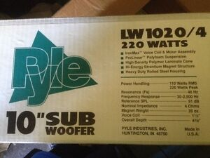 "Sub Woofer Pyle 10""  220WATTS"