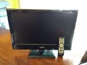 "RCA 19"" TV LCD"