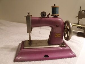 ANTIQUE MACHINE A COUDRE JOUET ENFANT MADE IN GERMANY
