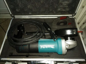 "4.5"" 7.5 Amp Makita Grinder in Aluminum Case."