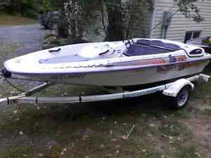 1995 bayliner Jazz boat 90 hp merc cruiser