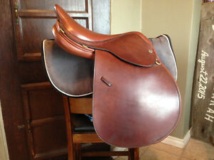 "17"" Crosby XL H Plain Saddle"