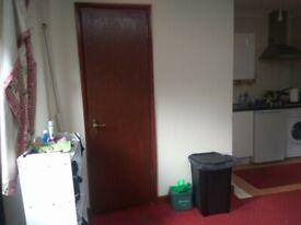 1 bedroom flat in Great West Road, ISLEWORTH, TW7
