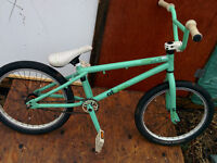 almost mint condition GT comp bmx !!