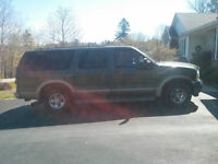 2002 Ford Excursion Ltd SUV, Crossover