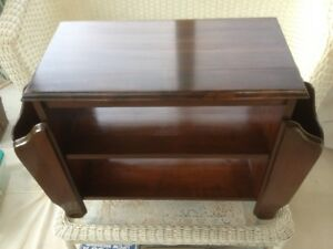 Vintage Wood End Table/Magazine Table