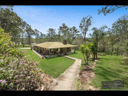 Brick Country Homestead on 4.7 acres For Sale
