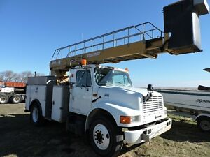 2001 INTERNATIONAL 4700 BUCKET/SERVICE TRUCK