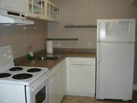 2BEDROOMS CLOSE TO UWO UTILITIES AND INTERNET INCLUSIVE