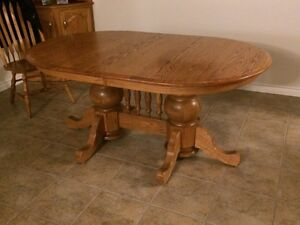 Solid Oak Dining Room Table set