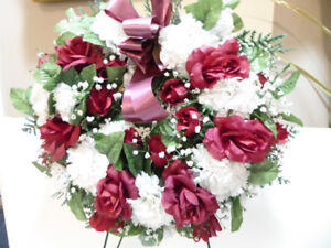 WREATH WITH RED ROSES & WHITE CARNATIONS
