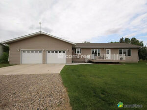 Beautiful home 10 mins from Yorkton Sask