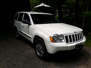 2009 Jeep Grand Cherokee Laredo- Fully Loaded
