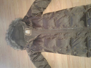 Girls xxl 14-16 long brown Gap winter jacket . Like new