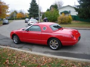 Superbe Ford Thunderbird 2002 de collection