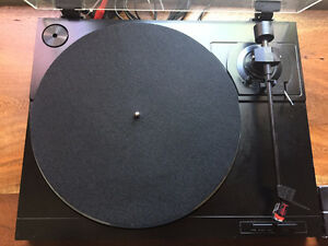 Sanyo TP-242 turntable vinyl record player