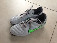 Nike Tiempo mounded football boots size 4