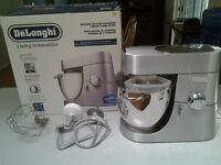 DeLonghi Living Innovation Stand Mixer