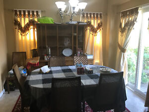 HOUSE FOR RENT(NEAR UOW AND UOL)**