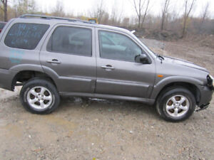 2005   Mazda Tribute** FOR PARTS ** INSIDE & OUTSIDE***