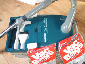 Like New Hoover Vacuum With Wand + 8 New Bags