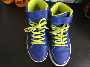 H&M boy's high top shoes