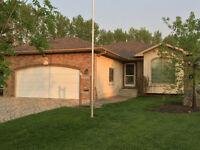 OPEN HOUSE Oct 4 1:00-3:00 - Custom-built bungalow in Lorette