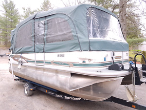 Pontoon boat Princecraft with 90hp Mercury 2012 trailer included