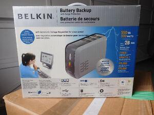 BELKIN F6C550-AVR 550VA 330W UPS Battery Backup for Computer