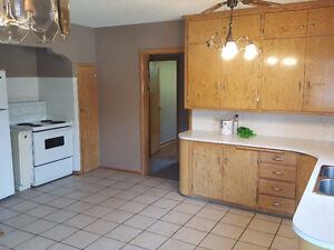Newly Renovated, Spacious, 2bdr 1 Bath, Pet Friendly*FREE RENT*