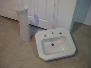 pedestal sink - vintage