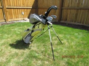 Junior Left-Hand Golf Clubs and Bag