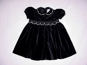NWT Carriage Boutiques Girls Rose Bud Floral SMOCKED Black Velvet Dress 12 Month