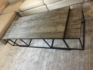 Rustic & refined reclaimed wood nesting coffee table