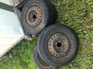 4x winter tires 195 60 15 and 185 65 15