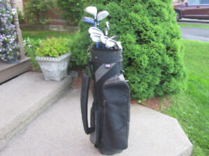 Men's Right Hand 12-pc Golf Clubs Set (Northwestern Cylcone)