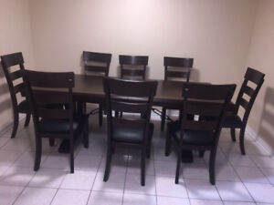 Dining table set for sale in Mississauga