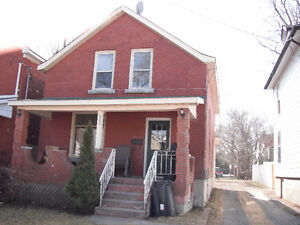 House for Rent - 5Bed/2Bath