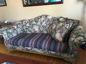 Couch floral pattern FREE
