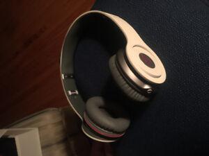 Beats Solo HD On Ear Heaphones W/ Cord