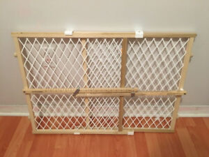 """Adjustable (Extendable) baby gate 42"""""""