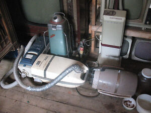 5 Old Vacuum Cleaners for $25