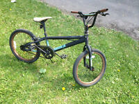 """BMX bicycle 21"""" for sale in excellent condition just 65$"""