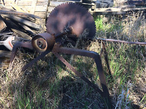 Tractor belt driven saw $350 obo