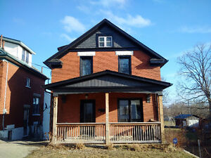 Restored Urban Home - Backing onto Parkland