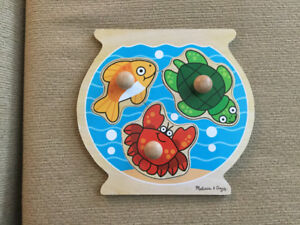 Brand New Condition Melissa and Doug Wooden Knob Puzzle