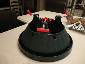 Christmas Tree Stand - Great Shape and works great! Kitchener / Waterloo Kitchener Area image 2