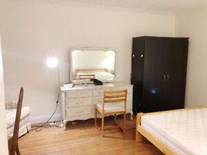Two Single rooms near Sheppard yonge Station ( girls only)